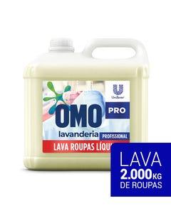 Bombona transparente de OMO Lavanderia de 10 litros com líquido na cor âmbar